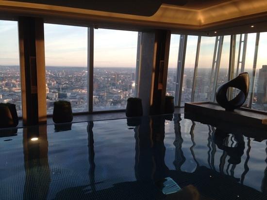 Shangri-La Hotel, At The Shard, London: morning swim