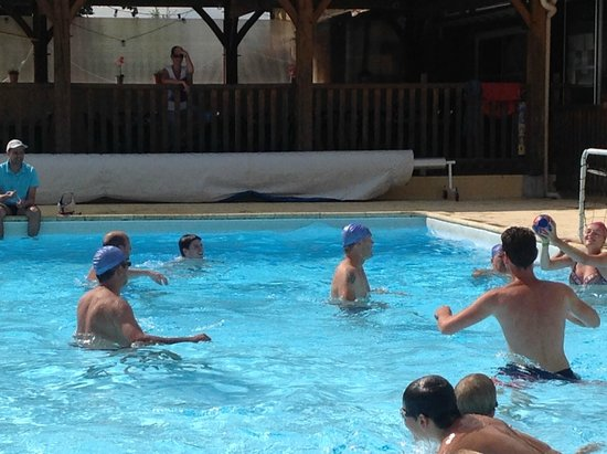 Holiday Village Bosc-Negre: Waterpolo à la piscine