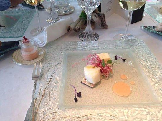 Alexandre - Michel KAYSER : Filet de Cabillaud confit au beurre, Composition de radis roses à la fleur de sel de Camargue