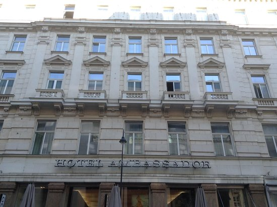 Hotel Ambassador: Fronte