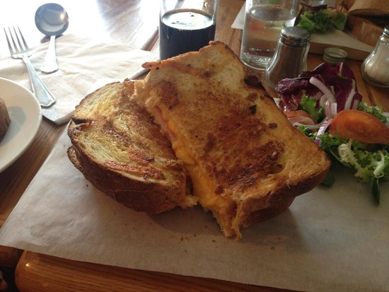 Hawkshead, UK : Gorgeous cheese and ham toasty xXx