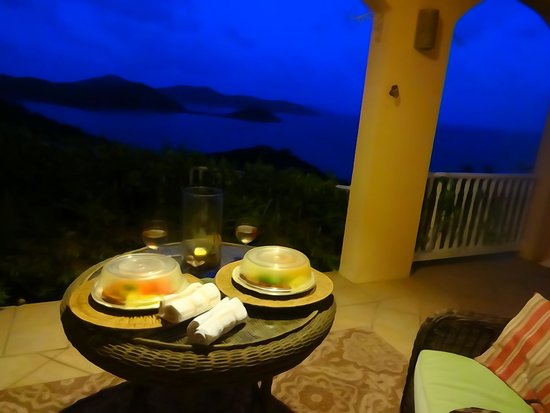 House of Open Arms: beautiful view at dinner