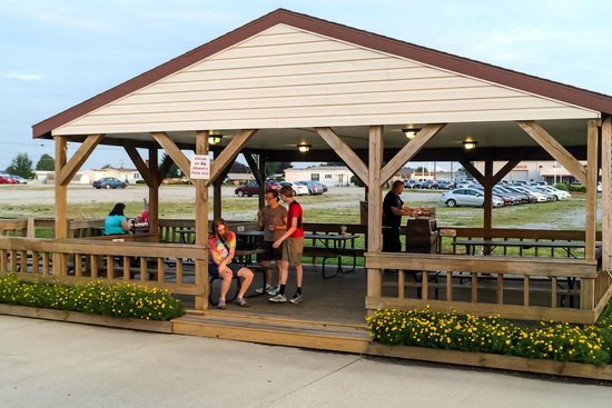 Dog N Suds: The Covered Picnic Area