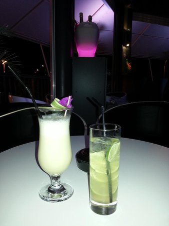 Infinity concept boutique bar : Pina & Tom Collins