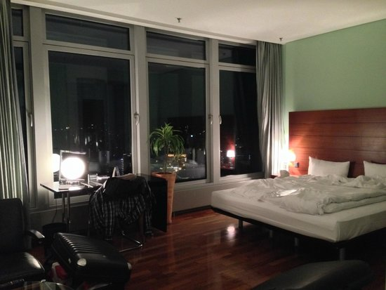 INNSIDE by Melia Frankfurt Eurotheum: our room