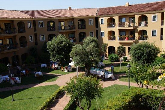 Geovillage Sport Wellness & Convention Resort : внутренний двор