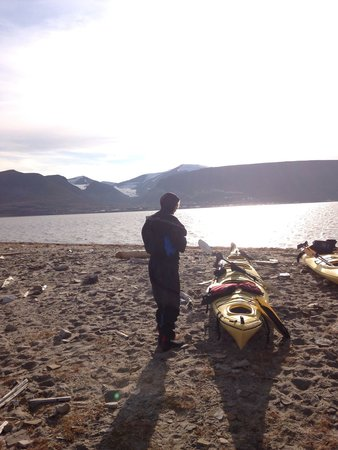 Svalbard Wildlife Expeditions: Arctic Challenge - kayaking over the bay and then a 1000 meter climb. Difficulty level - High.