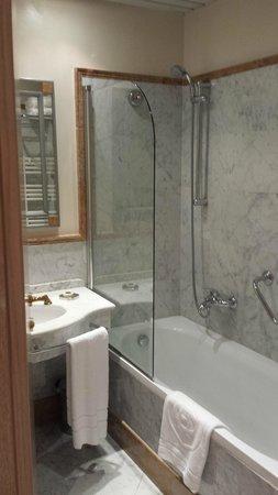 Grand Hotel Duca di Mantova: bathroom
