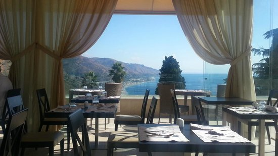 The Ashbee Hotel: breakfast