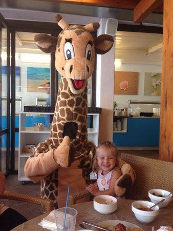 Plazamar Serenity Resort: Gerry the giraffe - mini club mascot