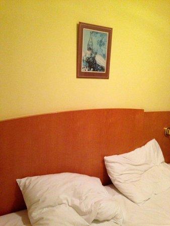Orea Hotel Pyramida: room