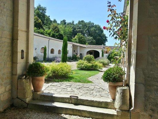 Saint-Preuil, Frankrike: Courtyard