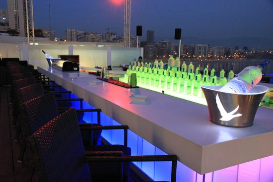 Movenpick Hotel Beirut: Club at the roof top
