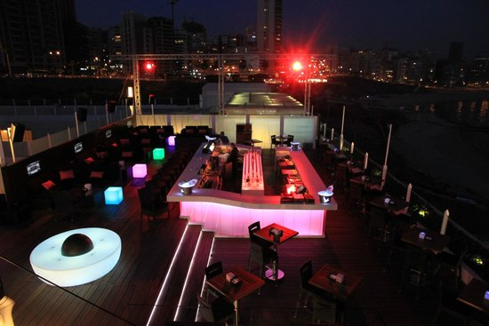 Mövenpick Hotel Beirut : Club at the roof top