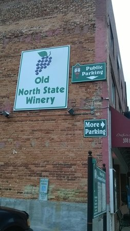 Old North State Winery and Brewery: Exterior architecture