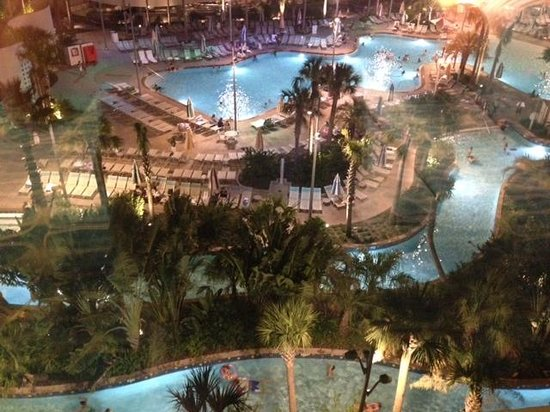 Universal's Cabana Bay Beach Resort: Pool view from our room