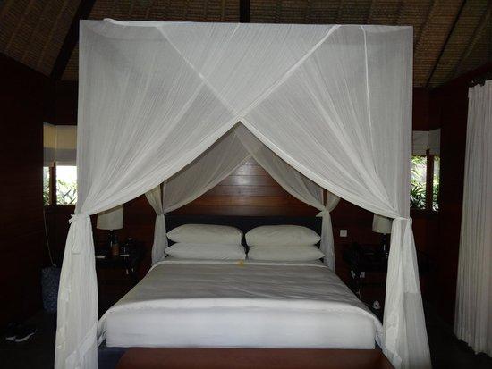 Kayumanis Ubud Private Villa & Spa: Kingsize Bett