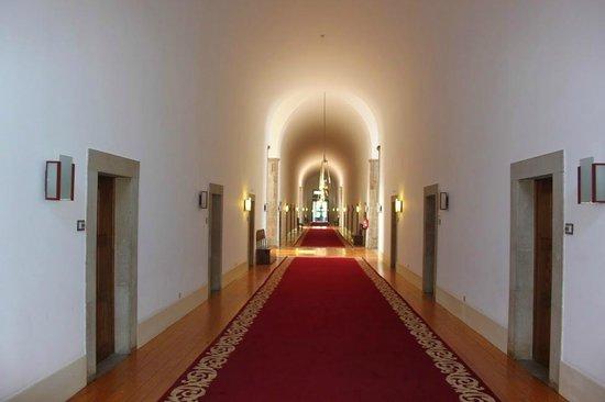 Pousada Mosteiro Guimarães: Il corridoio delle camere