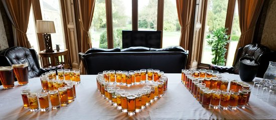Orchardleigh House: Our post-ceremony drinks