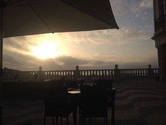 Praia D'El Rey Marriott Golf & Beach Resort: The view of the setting sun