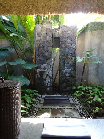 Kayumanis Ubud Private Villa & Spa : Wasserfalldusche