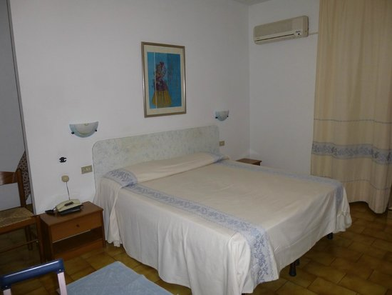 Hotel Citti : Camera matrimoniale