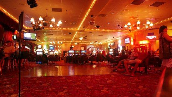 Longstreet Hotel & Casino: L INTERIEUR COTE CASINO