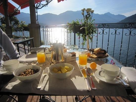 Grand Hotel Tremezzo: Petit déjeuner face au Lac