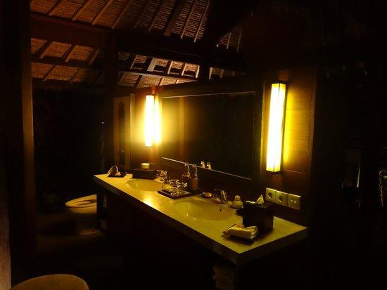 Kayumanis Ubud Private Villa & Spa : Waschtisch