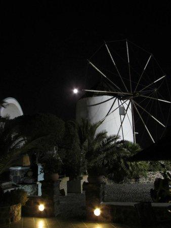 Milos Villas: Mulino la sera