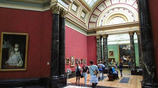 Galería Nacional: The gallery itself is a superb building, truly fitting for the pictures displayed.