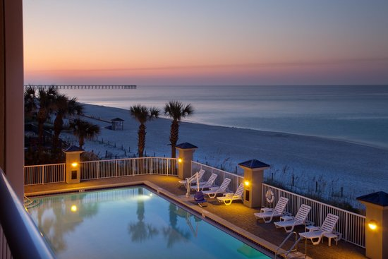 Holiday Inn Club Vacations Panama City Beach Resort: Breathtaking views of the sunset from the outdoor pool