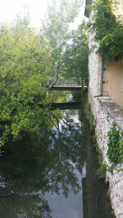 Blanche Fleur: River as you enter the grounds