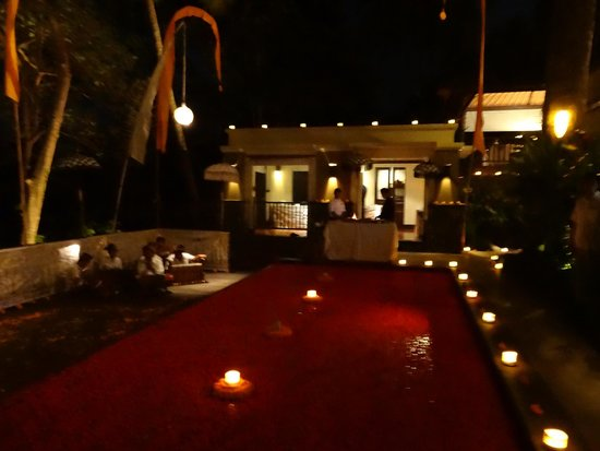 Kayumanis Ubud Private Villa & Spa : Restraurant am Abend