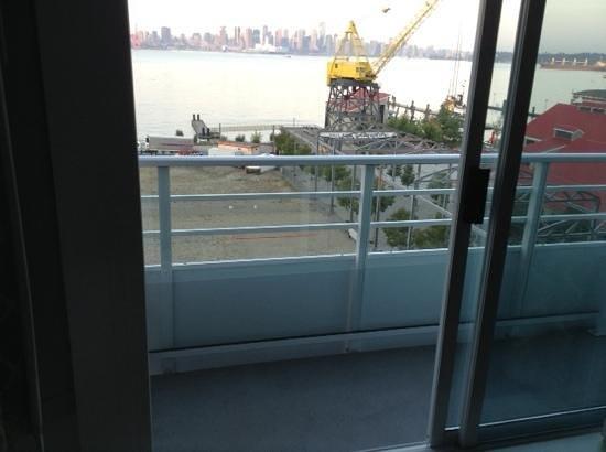 Pinnacle Hotel At The Pier: toller Blick, kleiner unmöblierter Balkon