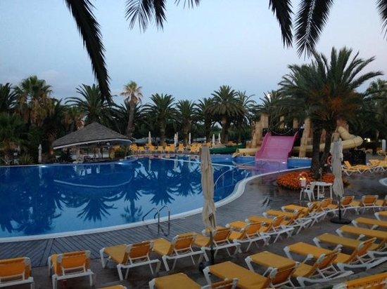 Camping Resort Sanguli Salou : piscine