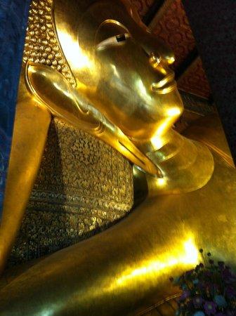 Wat Pho (Tempel des liegenden Buddha): Reclining