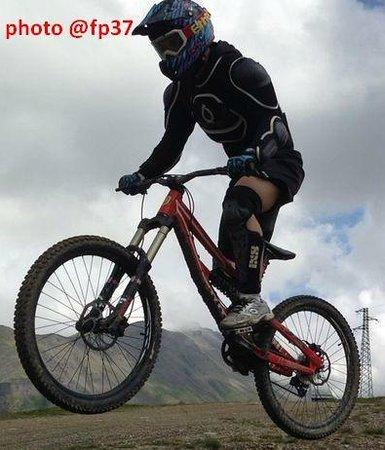 """Mottolino Fun Mountain: Salto in """"jump area"""""""