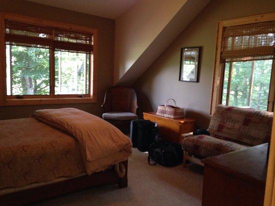 RiverDance: Tree top bedroom