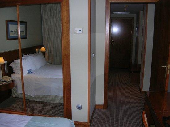 Tryp Madrid Alameda Aeropuerto Hotel: Bedroom
