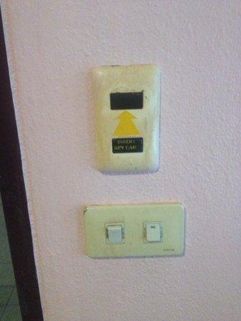AC Resort: Empty hole, so where does the key go???