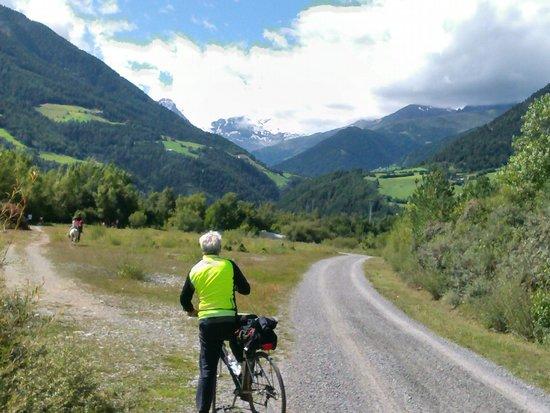 Pista ciclabile Malles: Val Venosta in bici : Fatta giovedì 21 agosto , assolutamente da non perdere , nel tragitto sull