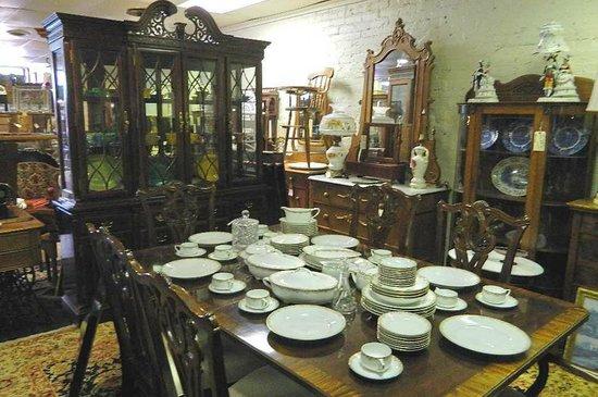 Blackstone Antiques & Crafts Mall