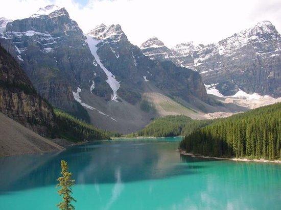 Moraine Lake: 湖