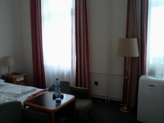 Hotel Raba City Center: bedroom