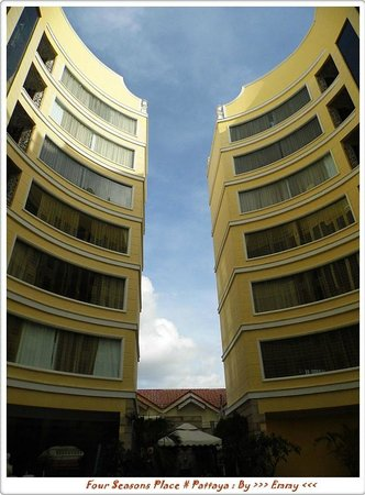 Four Seasons Place: โรงแรมโฟร์ซีซั่นเพลสพัทยา