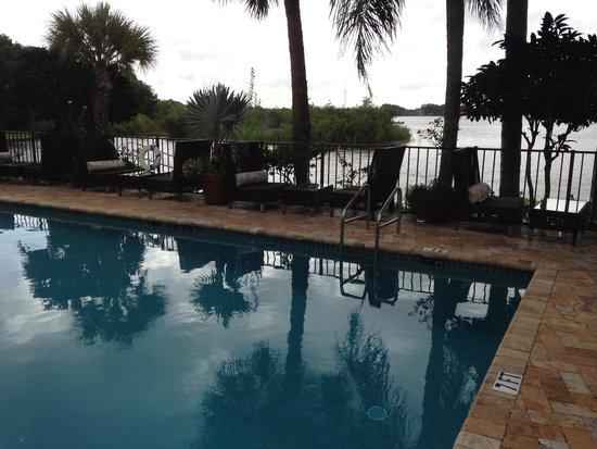 Inn On The Lakes: pool area pic 2