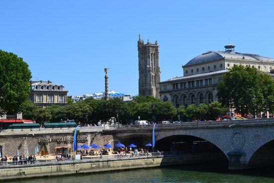 Concerts du Dimanche Matin: Вид на башню,с р.Сены.