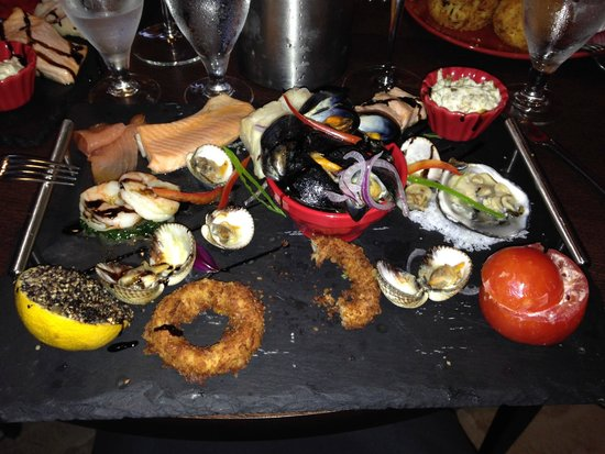 Rumours Bistro: Seafood platter - after I'd started devouring it! This really doesn't do it the justice it deser