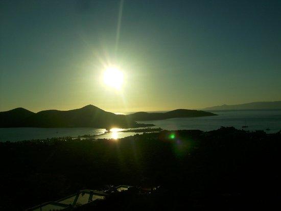 Elounda Water Park Residence: rising sun